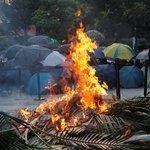 V Hongkongu převzalo iniciativu tvrdé jádro protestujících.