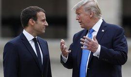 Francouzský prezident Emmanuel Macron a jeho americký protějšek Donald Trump