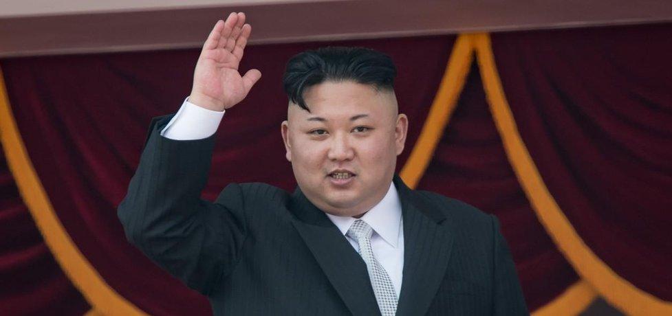 Kim Čong Un se ve svém volném čase, když zrovna neplánuje rozpoutat jadernou válku, věnuje tělesným rozkoším a hromadění majetku.