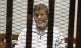Bývalý egyptský prezident Mursí zemřel u soudu