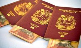 Venezuelské cestovní pasy - ilustrační foto