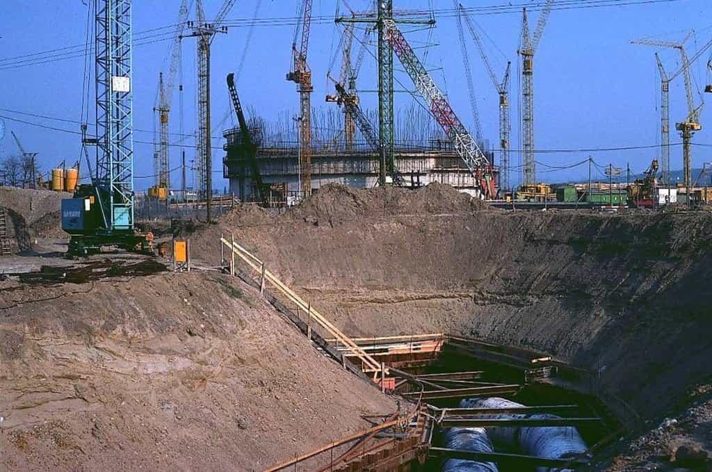 Výstavba reaktoru Mülheim-Kärlich v roce 1976.