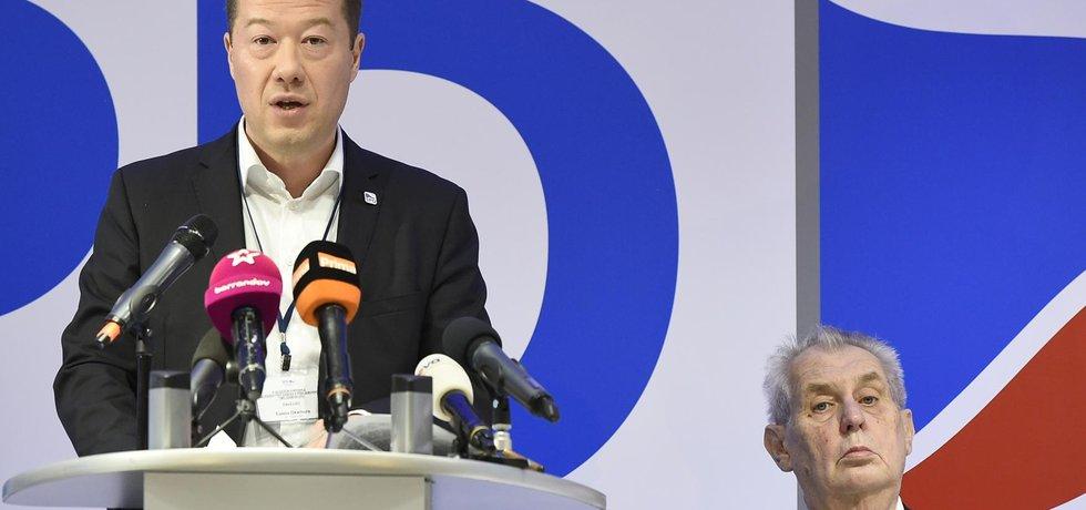 Předseda hnutí Svoboda a přímá demokracie (SPD) Tomio Okamura  a prezident Miloš Zeman