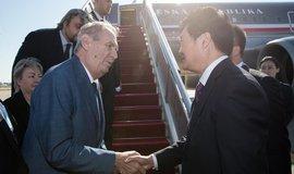 Zeman v Pekingu urguje miliardy. Číňané přislíbili investice