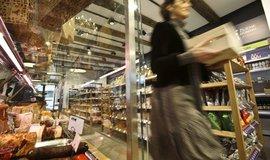 Maloobchodní tržby v říjnu zpomalily růst na 3,4 procenta. Více se utrácelo za potraviny a oblečení