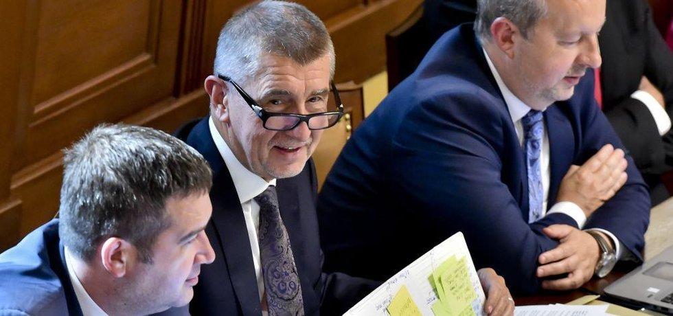 Předseda ČSSD a místopředseda vlády Jan Hamáček, premiér Andrej Babiš a ministr životního prostředí Richard Brabec