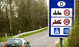 V Německu platí poze obecné doporučení nepřekračovat na dálnicích 130 kilometrů v hodině