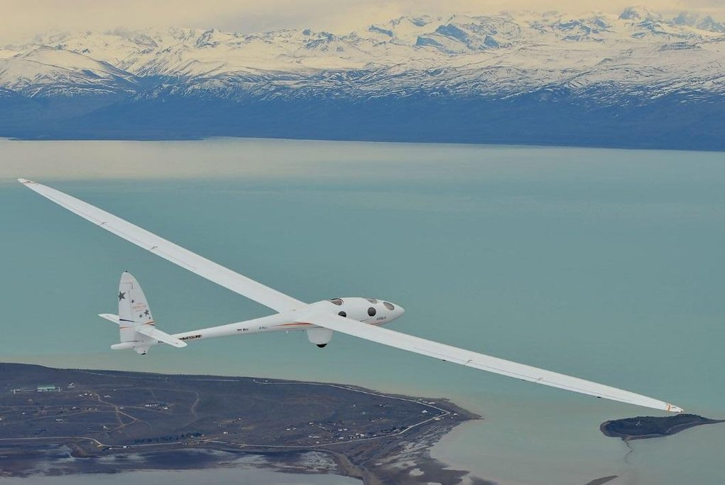 Kluzák Airbus Perlan II pokořil rekord v Argentině.