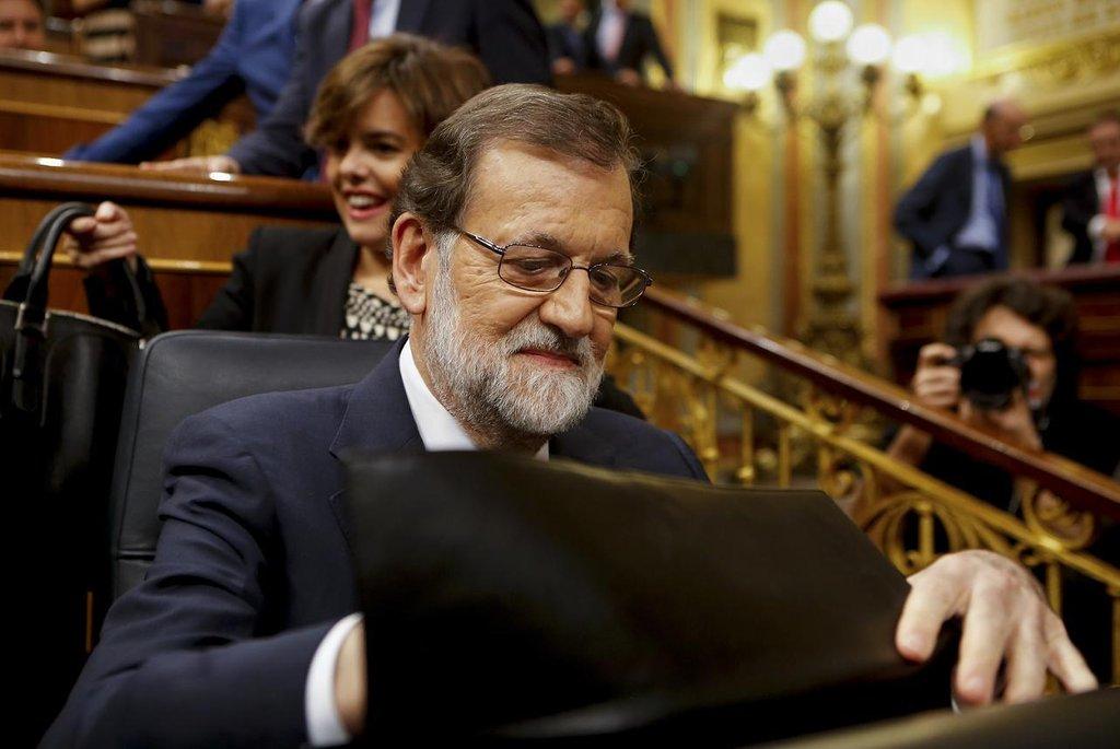 """Mariano Rajoy – """"Jsme svobodní, když všichni dodržujeme zákony; co není legální, není demokratické,"""" odsoudil Rajoy referendum. """"Katalánci neměli důvod pořádat toto referendum. Je to úmyslná strategie, jak oddělit Katalánsko od Španělska navzdory většině Katalánců a Španělů,"""" dodal. Podle něho """"bylo cílem autoritářů v čele katalánských institucí postavit Katalánce proti sobě""""."""