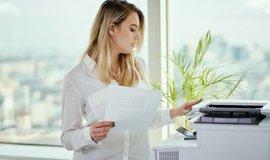 Posílání faxu, ilustrační foto
