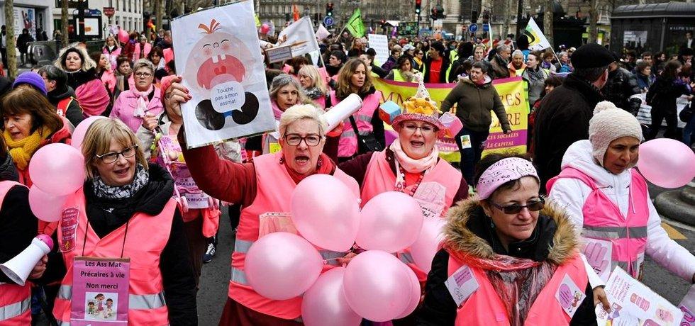 Protest růžových vest ve Francii