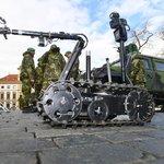 Robot Talon při prezentační akci Armády České republiky 12. března 2019 na Hradčanském náměstí v Praze, která se uskutečnila u příležitosti 20. výročí vstupu České republiky do NATO.