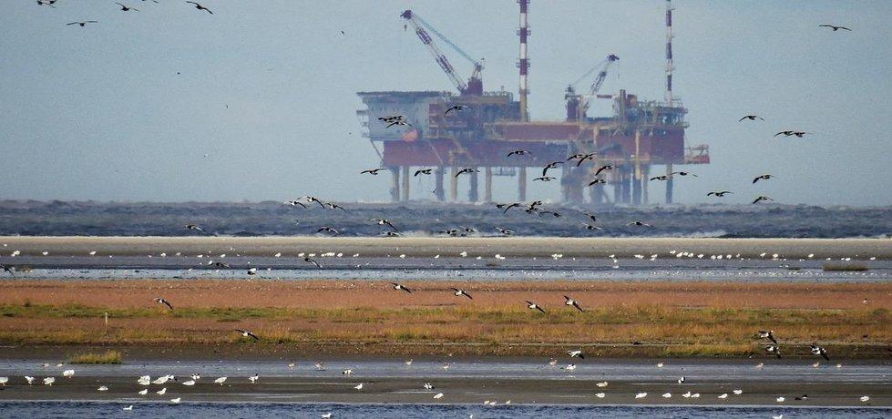 Ropná těžební plošina v Severním moři