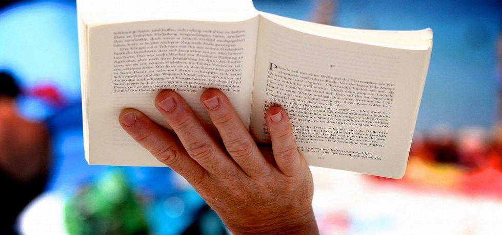Kniha.