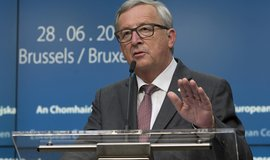 Juncker hovoří na summitu EU po brexitu. (Zdroj: ČTK)