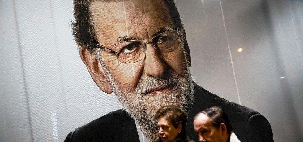 španělský premiér Mariano Rajoy na volebním plakátu