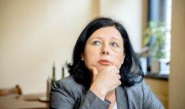 Jourová, nebo Charanzová? Česko může do Evropské komise nabídnout dvě ženy, říká Babiš