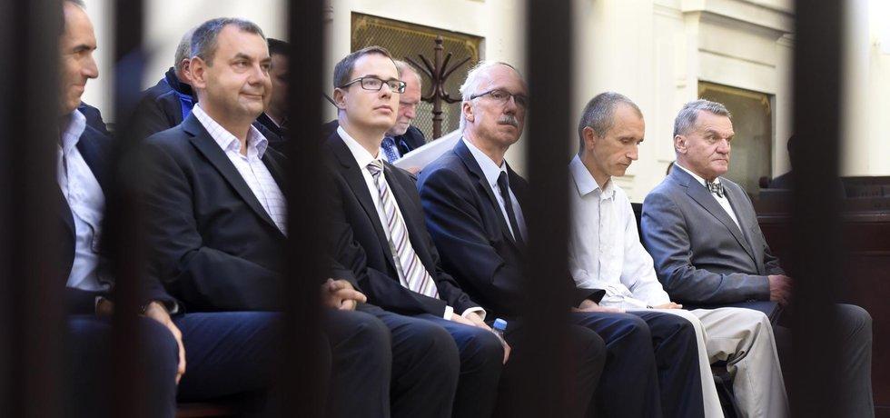 Za kartu za katr ne. Žalobce bývalým primátorům Tomáši Hudečkovi a Bohuslavu Svobodovi navrhuje podmíněný trest.