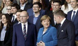 Premiér Sobotka na berlínské schůzce s kancléřkou Angelou Merkelovou kritizoval německé mýtné