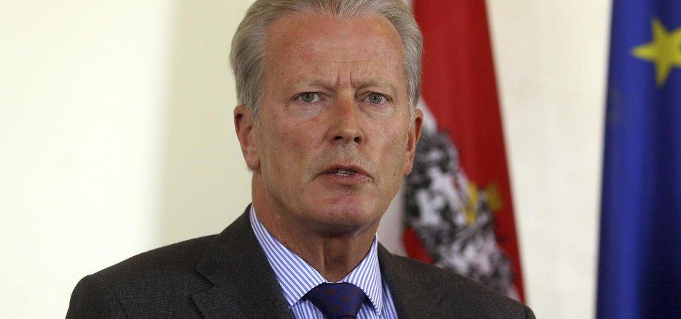 Rakouský vicekancléř a předseda vládní Rakouské lidové strany (ÖVP) Reinhold Mitterlehner