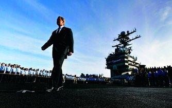 Válka v Iráku skončila, oznámil George W. Bush s desetiletým předstihem