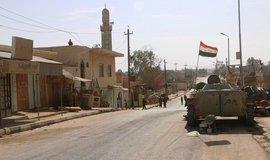 Irácká armáda začala roku 2015 osvobozovat sunnitská města severně od Bagdádu