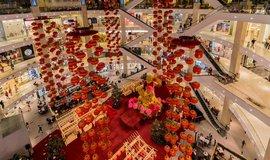 Nákupní středisko v Kuala Lumpusu se připravuje na příchod čínského nového roku.