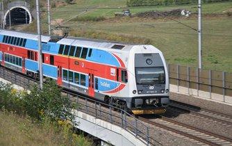 Železniční trať směrem na Kadno povede v úseku mezi Dejvicemi a Veleslavínem tunelem