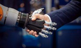 Interakce robota s člověkem, ilustrační foto