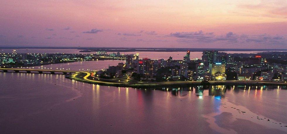 Abidžan, někdejší hlavní město a dodnes ekonomické a administrativní centrum Pobřeží slonoviny.
