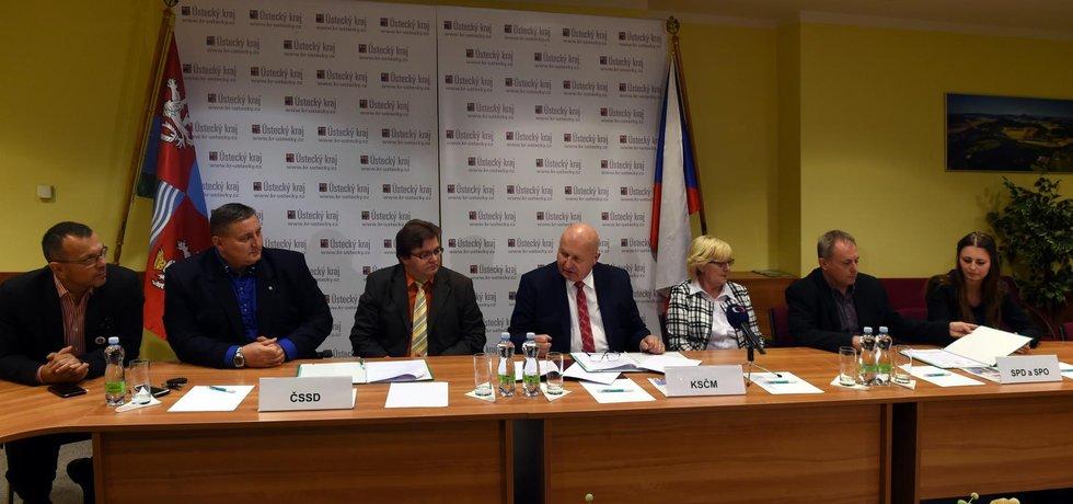 Koalice vzešlá z letošních krajských voleb v ústeckém kraji byla podepsána.
