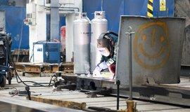 Jak se obchoduje ve střední Evropě: Česko vyváží více strojů a dopravních zařízení