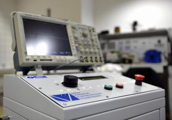 Přístroj pro ireverzibilní elektroporaci