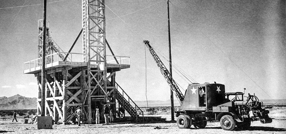 Přípravy na první testovací výbuch