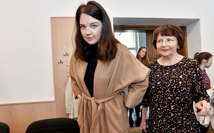 Vnučka výtvarníka Zdeňka Milera Karolína Milerová (vlevo) a správkyně umělcova díla Milena Fischerová