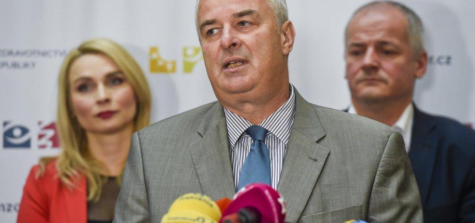Ředitel Státního ústavu pro kontrolu léčiv (SÚKL) Zdeňek Blahuta  rezignuje