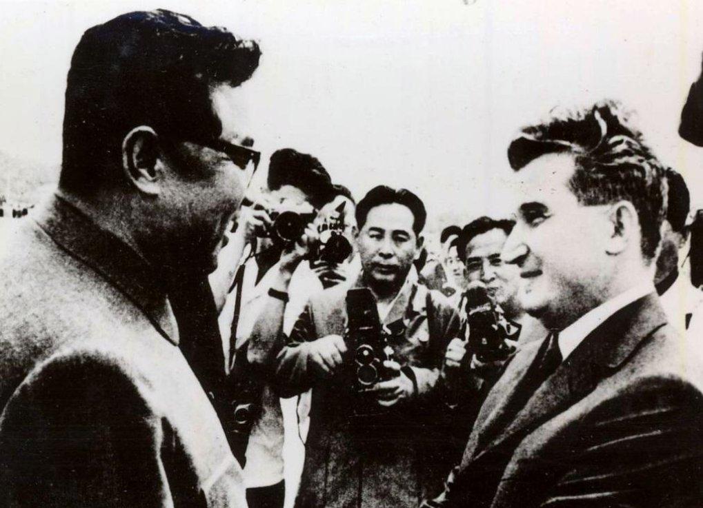 Ceaușescu a Kim Ir-sen v roce 1971.