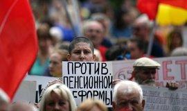 Protest proti důchodové reformě v Rusku.