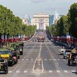 Vojenská přehlídka v Paříži v roce 2017.