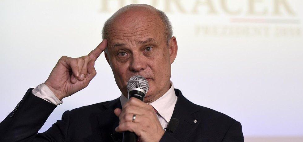 Michal Horáček chce před druhým kolem prezidentské volby pomoci Jiřímu Drahošovi