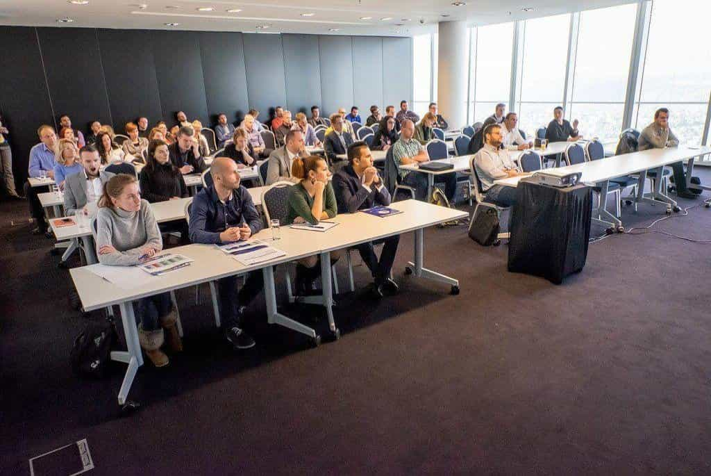 Úvodní přednáška na soustředění studentů MBA v mrakodrapu City Tower v Praze