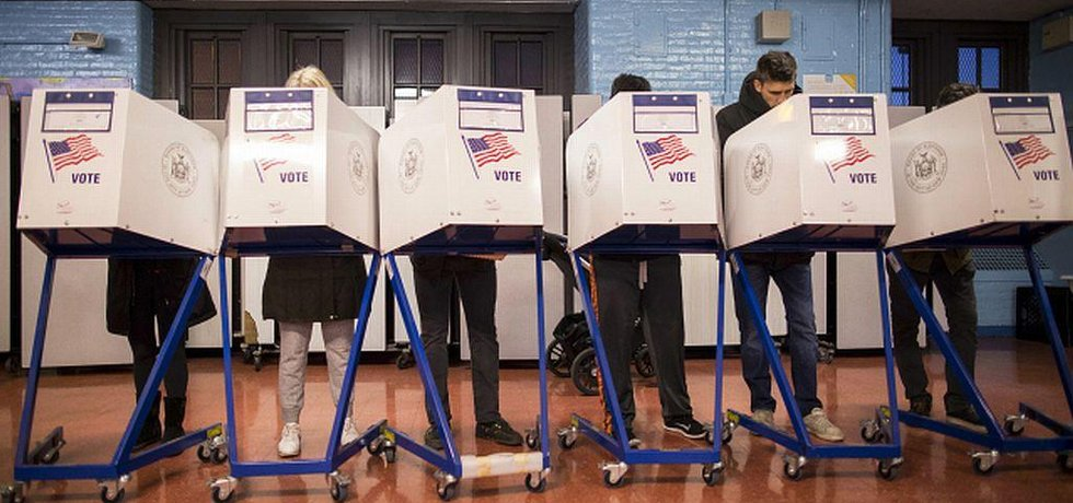 Americké prezidentské volby, volební místnost v Brooklynu.