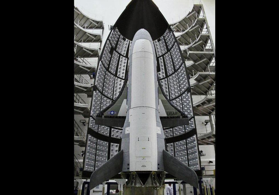 Boeing X-37B Orbital Test Vehicle. V roce 2010 na Cape Canaveral, Florida.