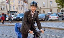 Starosta Prahy 7 Jan Čižinský jezdí po městské části na kole