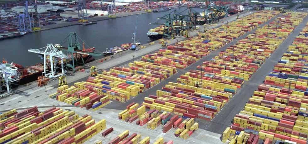Kontejnerová přeprava, přístav v Antverpách (ilustrační foto)