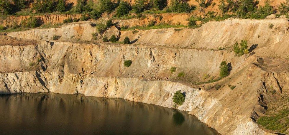 Opuštěný důl na měď. Ilustrační foto