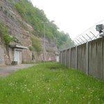 Vivos Europa One (Německo) Výrobou bunkrů se zabývá i americká firma Vivos, která chce své projekty rozmístit po celém světě. Kromě americké Jižní Dakoty, na jejímž území se nachází 23 kilometrů čtverečních rozsáhlý komplex, už postavila bunkr i v Německu.