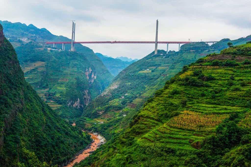 Most se tyčí 565 metrů nad zemí (Zdroj: profimedia.cz)