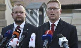 Předseda KDU-ČSL Pavel Bělobrádek (vpravo) a předseda lidoveckého poslaneckého klubu Jan Bartošek