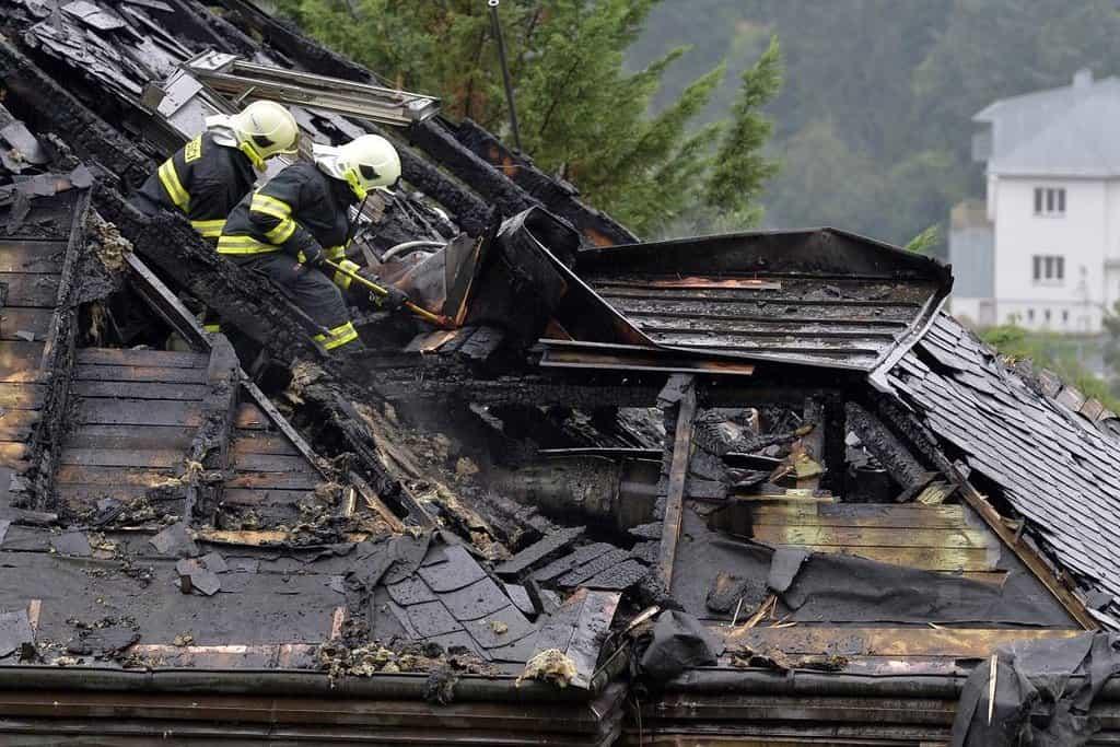 Požár někdejší vily Radovana Krejčíře